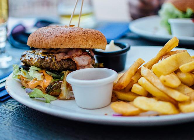 Food & Beverage Franchises – Fast Food Outlet or Restaurant?